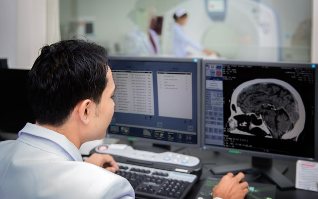 Tecnologia de monitoramento cerebral beneficia recém-nascidos no Distrito Federal